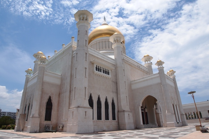 The Main Mosque - Sultan Omar Ali Saifuddien Mosque